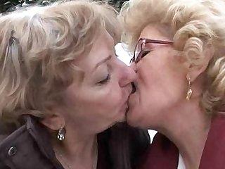 Effie - Lesbian granny sex
