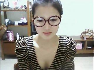 Cute Korean Girl Shows Off on Webcam - Niktsieniedowie.pl