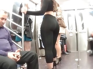 Candid Fat Ass White Girl Showing Off In Leggings