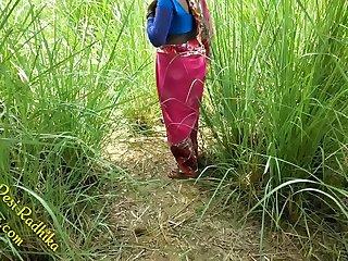 खेत मे चुदाई