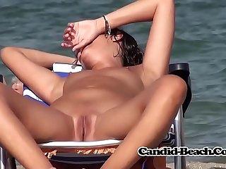 Amateur Beach Hidden Cam Ladies Voyeur