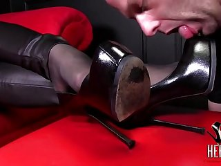 How to lick goddess boots properly